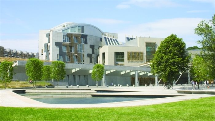 MSPs vote to reject no-deal Brexit