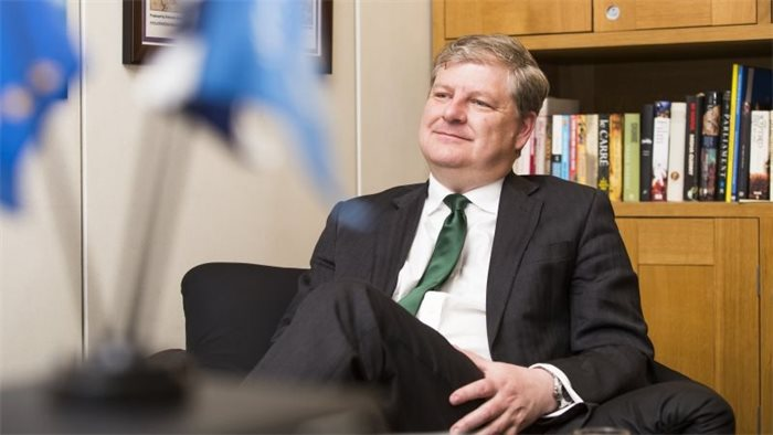 Angus Robertson announces intention to stand in 2021 Scottish election