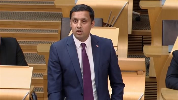 Anas Sarwar: NHS in 'crisis' and cancer care at 'breaking point'