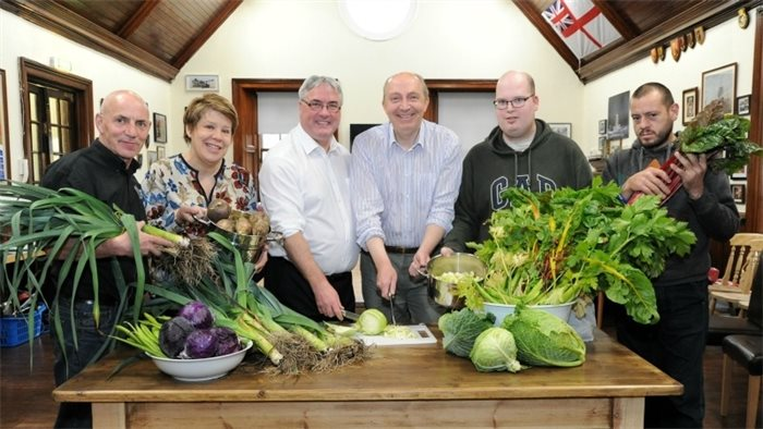 Council leaders call for collaboration with Scottish Government on food poverty