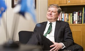 Fundraising is an 'important part of modern campaigning', Angus Robertson campaign responds