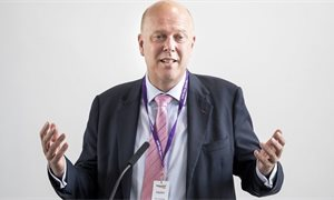 Chris Grayling 'banned from Calais' amid bitter no-deal Brexit row with port chief